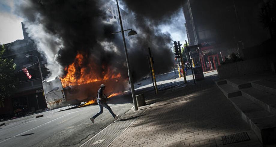 جنوب أفريقيا تنشر قوات من الجيش لمواجهة أعمال عنف عقب سجن الرئيس السابق