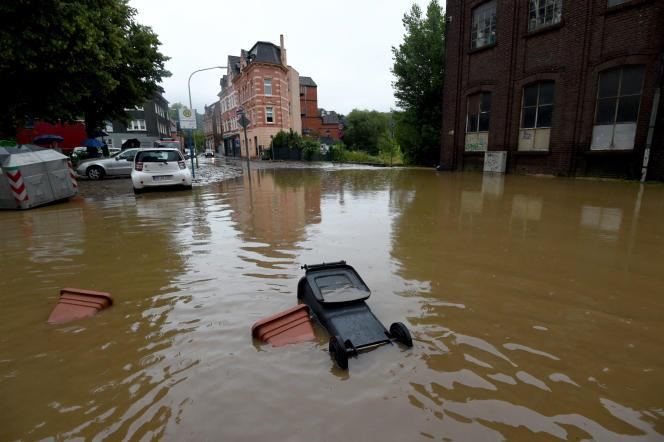 Au moins deux morts dans des inondations dans le sud de la Belgique