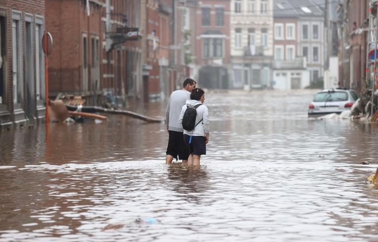 """20 قتيلا و20 مفقودا في بلجيكا وبروكسل تتحدث عن فيضانات """"غير مسبوقة"""""""