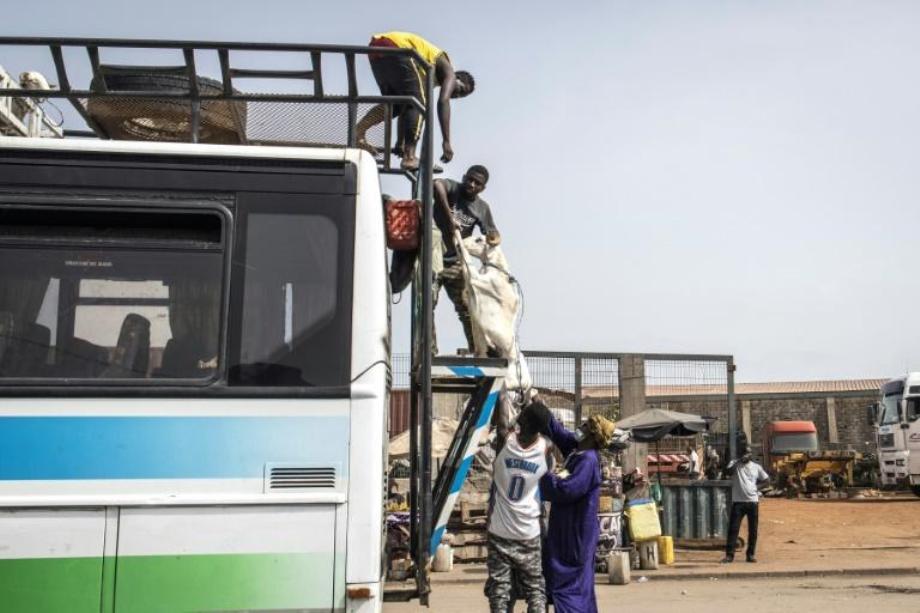 Sénégal/Covid-19: suspension des voyages en bus entre les villes