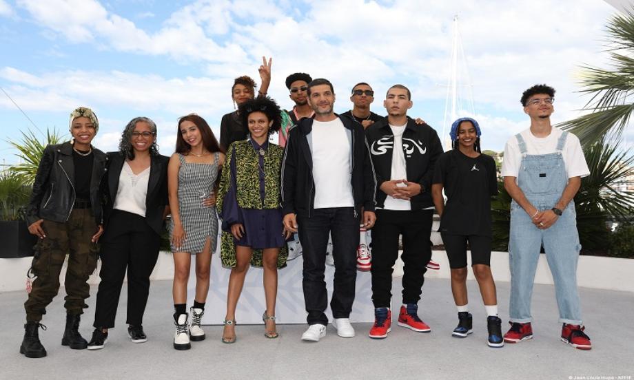 """Cannes 2021: """"Haut et Fort"""" de Nabil Ayouch reçoit le Prix du Cinéma Positif du Festival"""