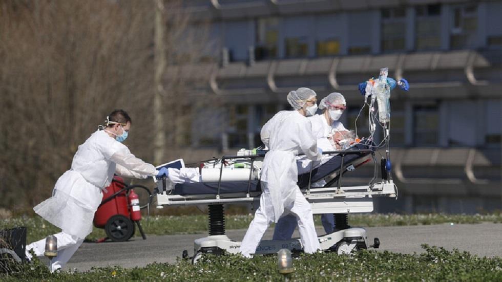 ارتفاع غير مسبوق في عدد الإصابات اليومية بكوفيد في فرنسا مع تسجيل 18 ألف حالة