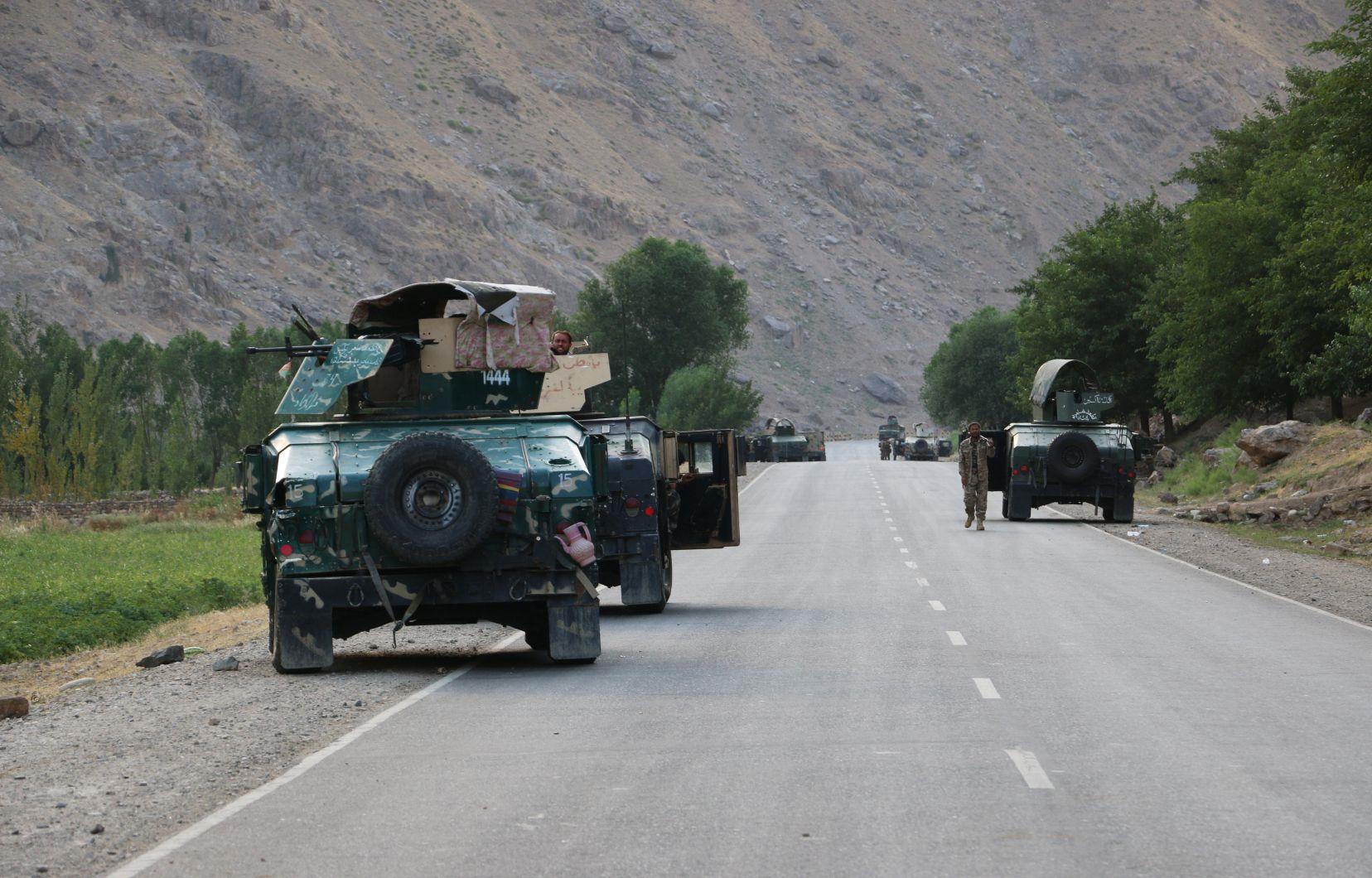 Le Tadjikistan met son armée en état d'alerte face à l'avancée talibane en Afghanistan