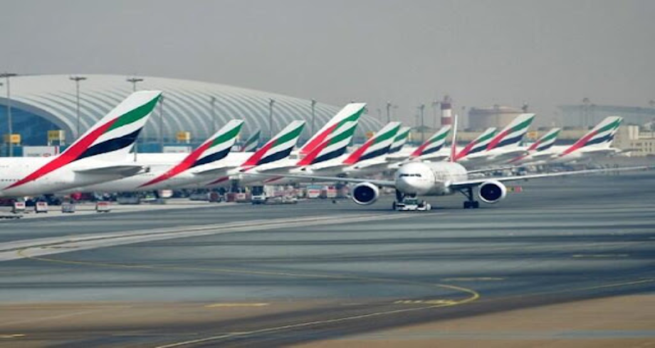 Dubaï: légère collision entre deux avions sur le tarmac
