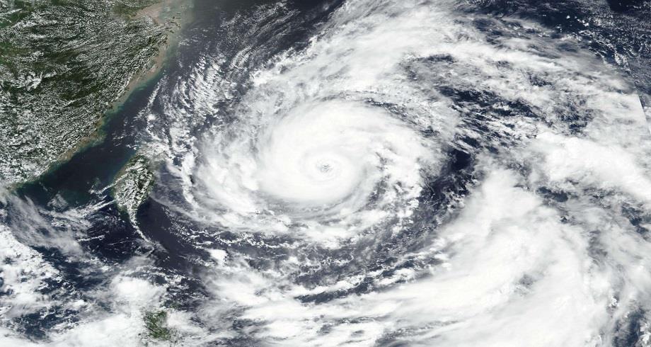 """الصين .. إعصار """"إن- فا"""" يضرب المناطق الساحلية بمقاطعتي تشجيانغ وفوجيان"""