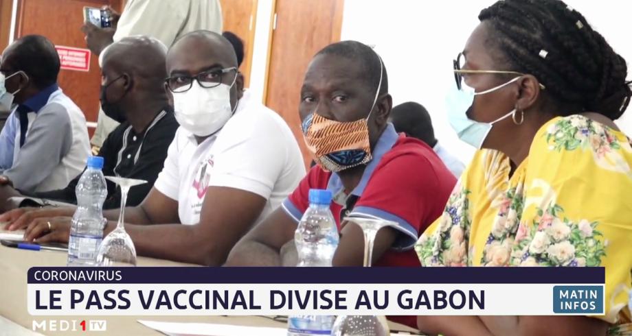 Covid-19: le pass vaccinal divise au Gabon