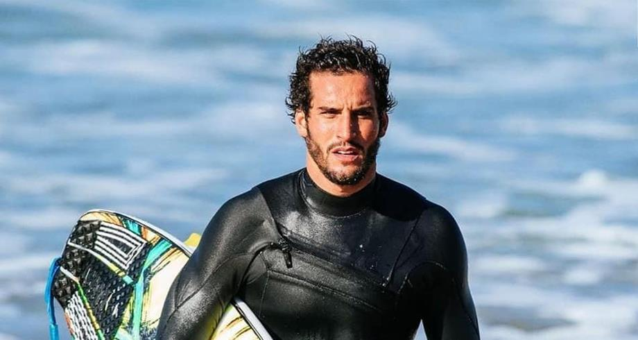 JO-2020: le surfeur marocain Ramzi Boukhiam en 8es de finale