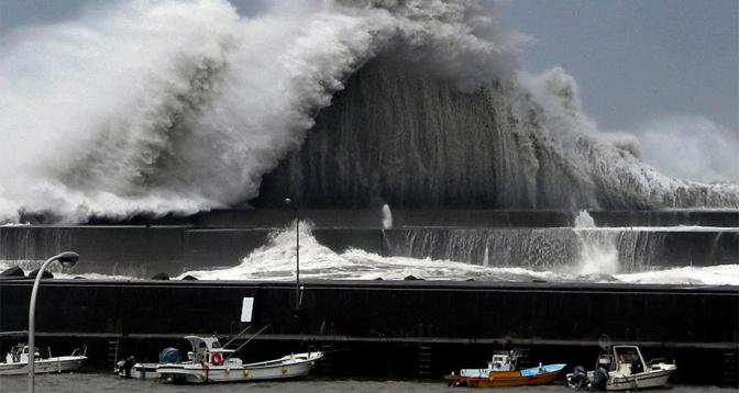 اليابان.. إجلاء سكان وسط البلاد مع اقتراب عاصفة استوائية