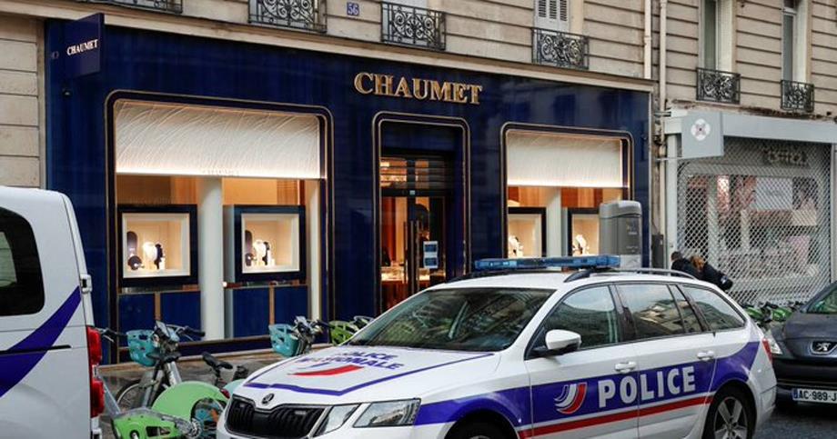 سرقة حلي بقيمة تصل إلى 3 ملايين يورو خلال سطو مسلح لمحل مجوهرات باريسي