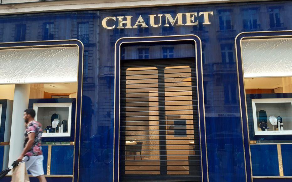 Une bijouterie de luxe braquée à Paris: un butin de 2 à 3 M€ dérobé