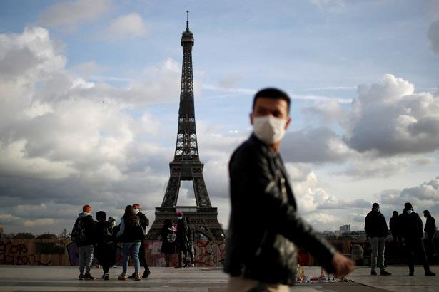 مديرية الصحة العامة: نصف الفرنسيين محصنون بالكامل ضد فيروس كورونا