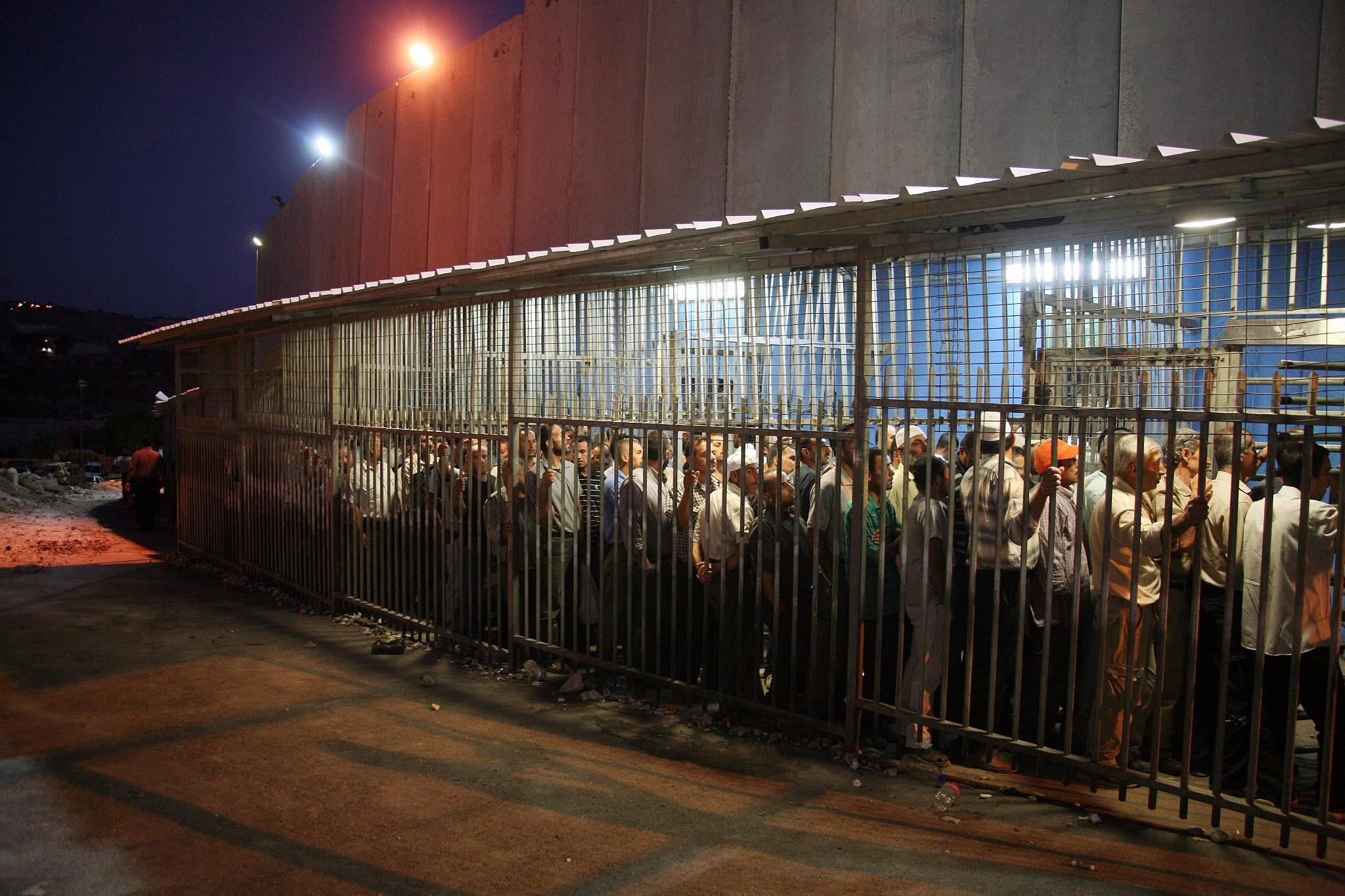 Israël prévoit 16.000 permis de travail supplémentaires pour des Palestiniens