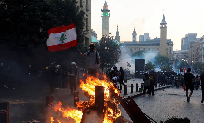 جرحى في مواجهات بين قوات الأمن اللبنانية ومتظاهرين في ذكرى انفجار مرفأ بيروت