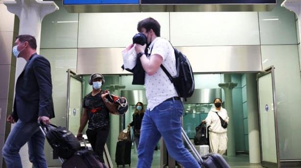 الصين تشدد القيود على سفر مواطنيها إلى الخارج وسط عودة تفشي الوباء