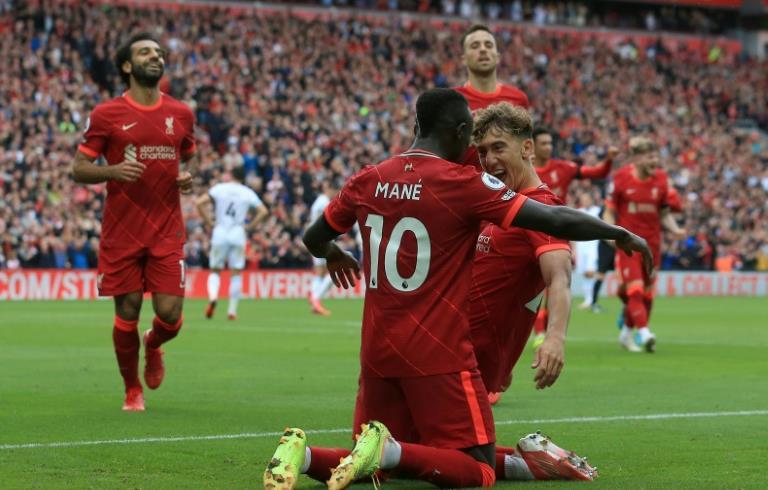Angleterre: Liverpool bat Burnley (2-0)