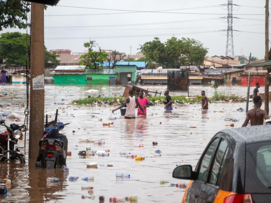Ghana: un mort et des centaines de déplacés dans des inondations