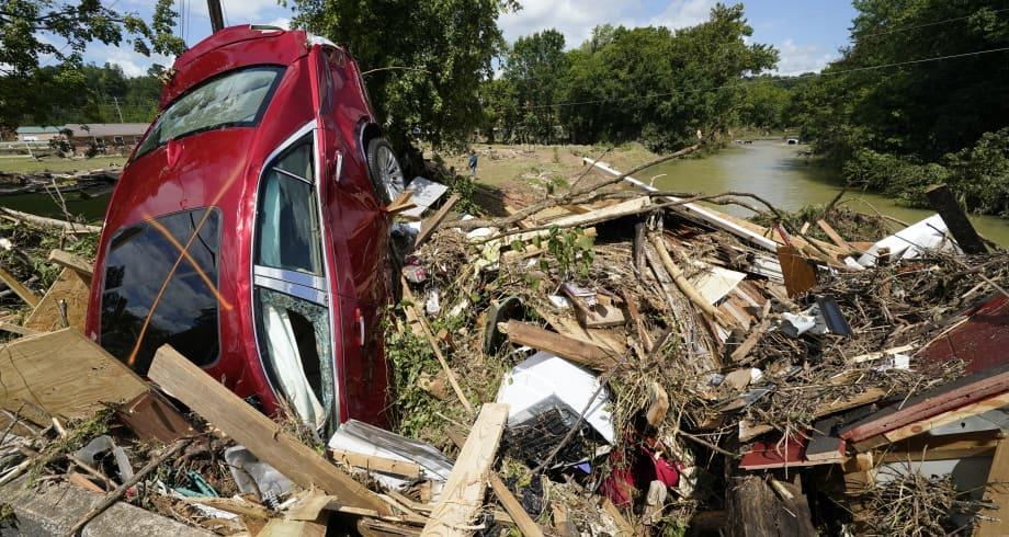 أكثر من 20 قتيلا في فيضانات أغرقت ولاية تينيسي الأمريكية