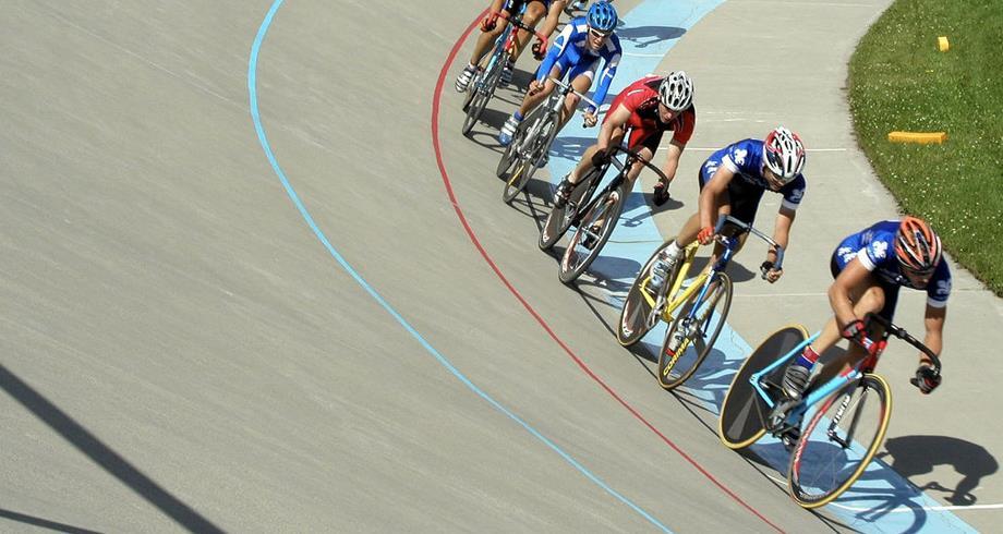 المغرب يشارك بالقاهرة في بطولة العالم لدراجات المضمار للناشئين