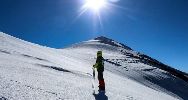 ذوبان كتل جليدية فوق أعلى قمة بتركيا تعود لآخر عصر جليدي