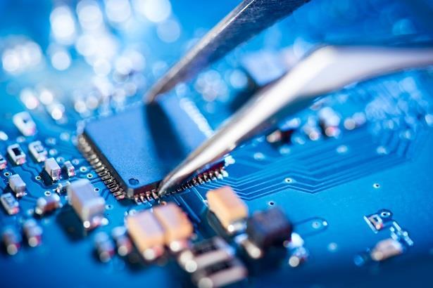 الإعلان عن تصنيع أول رقائق إلكترونية سعودية