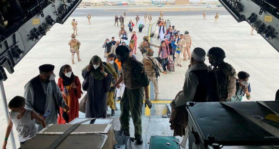 الأمم المتحدة تتوقع خروج نصف مليون لاجئ أفغاني إضافي من البلاد عام 2021