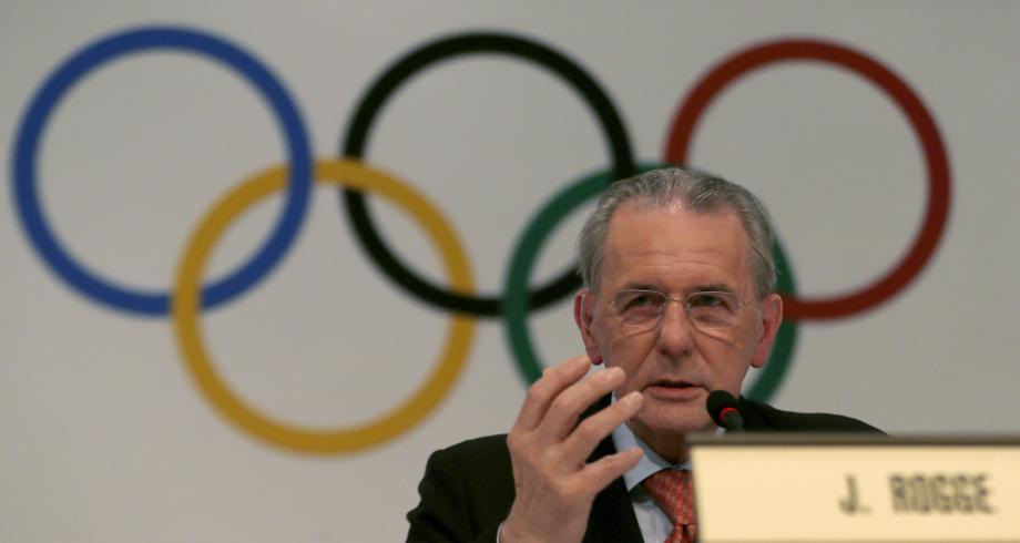 وفاة رئيس اللجنة الأولمبية الدولية السابق جاك روغ