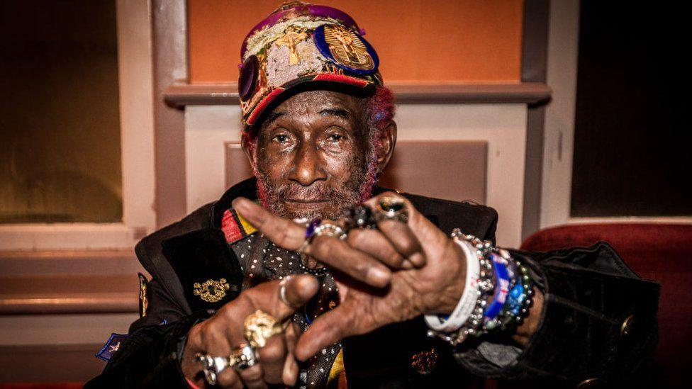 "Décès de Lee ""Scratch"" Perry, producteur de Bob Marley"