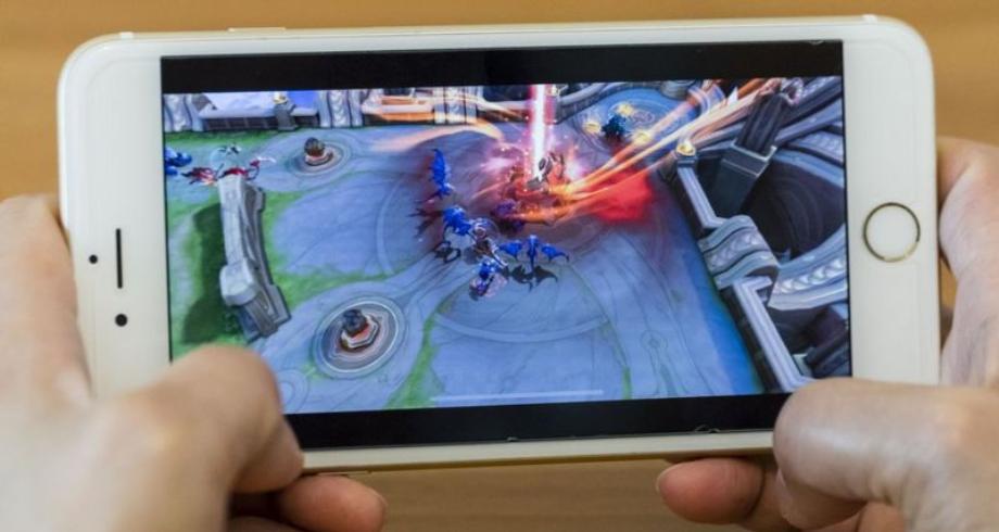الصين ستحظر على القاصرين ألعاب الفيديو على الانترنت لأكثر من ثلاث ساعات أسبوعيا