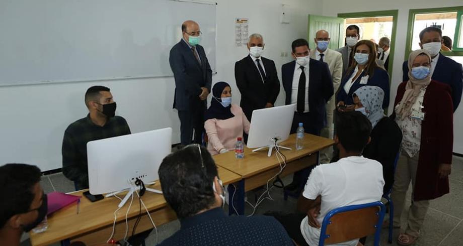 المغرب يشرع في تلقيح التلاميذ ما بين 12 و17 سنة