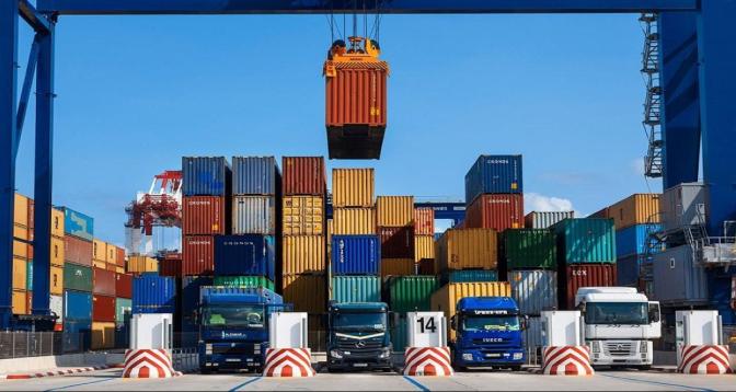 التكامل الاقتصادي في منطقة التجارة الحرة العربية الكبرى.. الفرص والتحديات