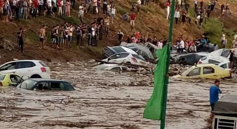 ثلاثة قتلى في فيضانات بالجزائر