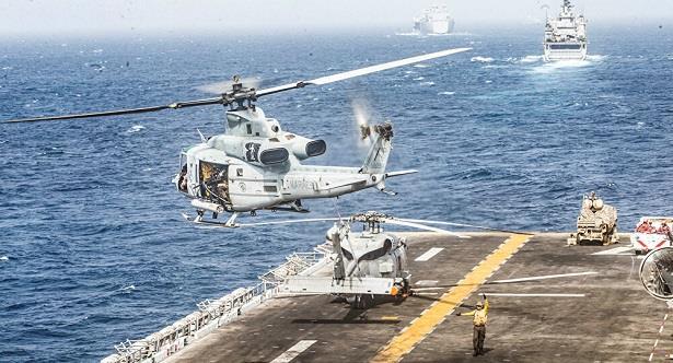 البحرية الأمريكية: وفاة المفقودين في حادث تحطم مروحية قبالة سواحل كاليفورنيا