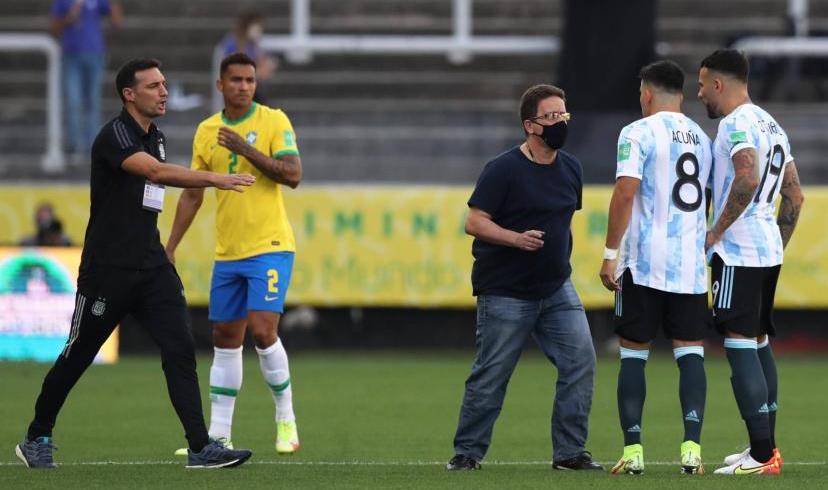 Foot: le match Brésil-Argentine interrompu pour violation des protocoles anticovid