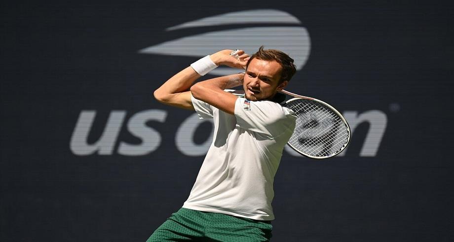 US Open: le Russe Medvedev se qualifie pour les demi-finales
