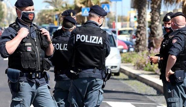 اعتقال طالب لجوء صومالي طعن 5 أشخاص في منتجع إيطالي