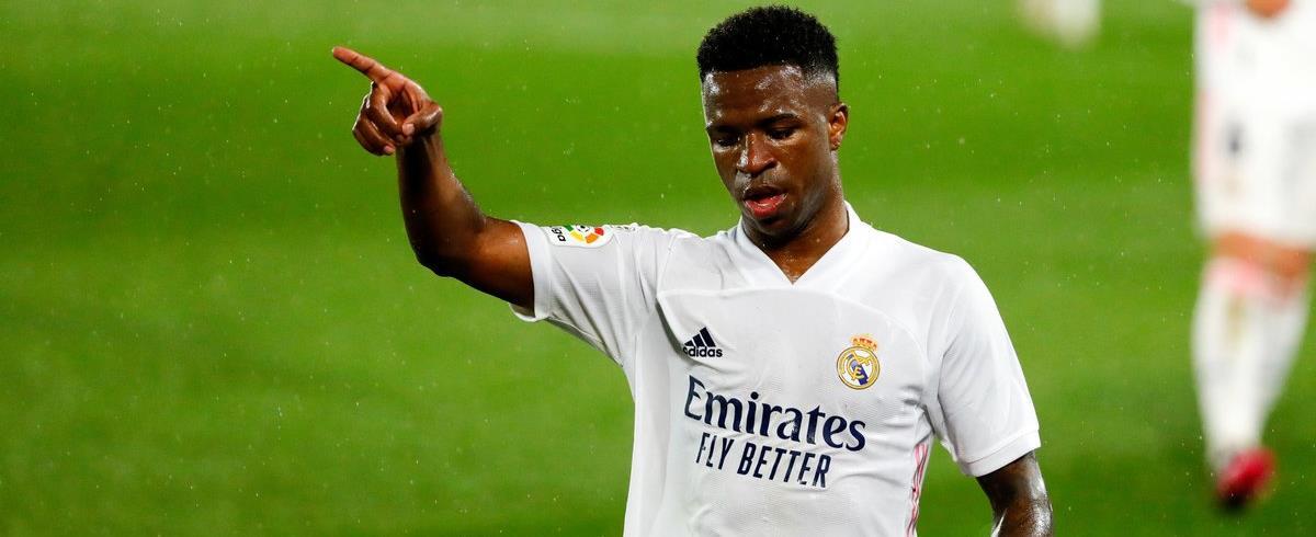 """Real Madrid: Vinicius """"c'est un phénomène, j'adore jouer avec lui"""", encense Benzema"""