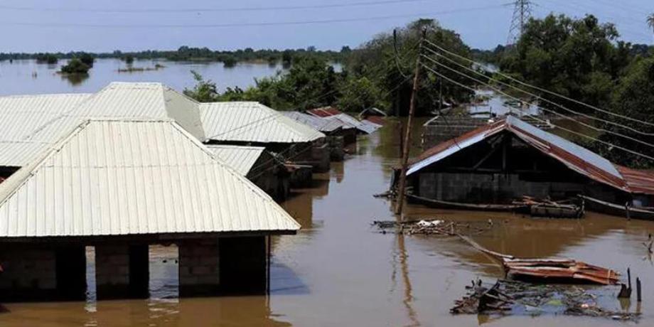 مصرع 13 شخصا في فيضانات شمال شرق نيجيريا
