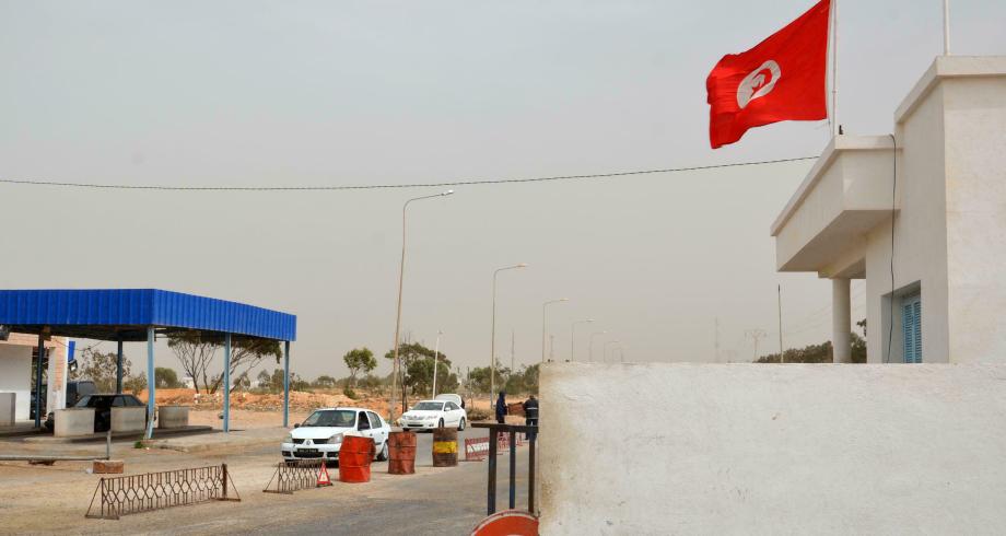 إعادة فتح المعابر الحدودية بين تونس وليبيا بعد أكثر من شهرين على الإغلاق