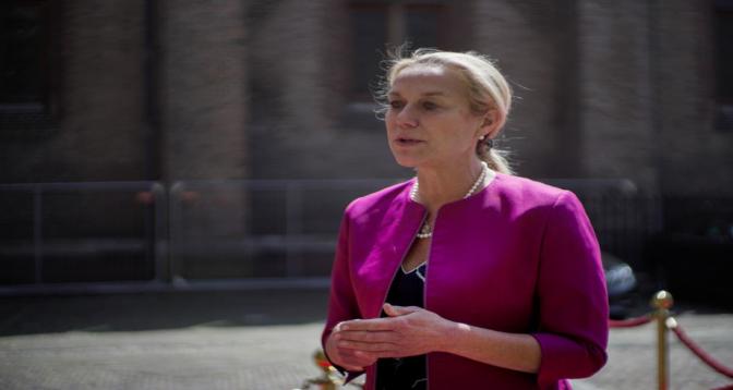 Évacuations d'Afghanistan: démission de la ministre néerlandaise des AE après une motion de censure