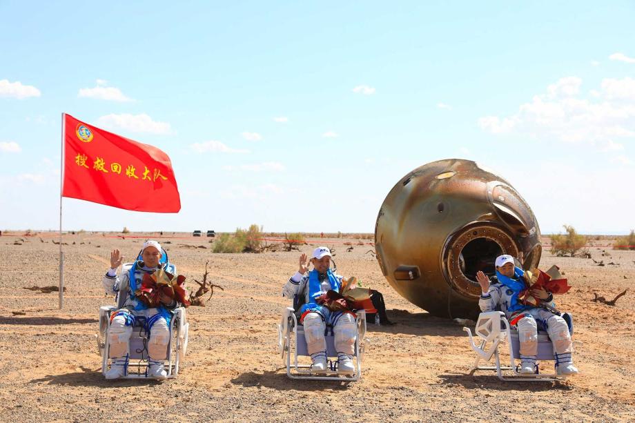 Espace: retour sur Terre des premiers astronautes de la station spatiale chinoise