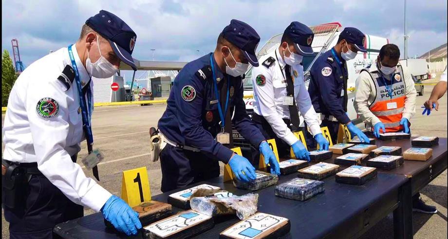 """تفاصيل إجهاض عملية للتهريب الدولي لشحنة من الكوكايين تبلغ أزيد من 22 كلغ بـ """"طنجة المتوسط"""""""