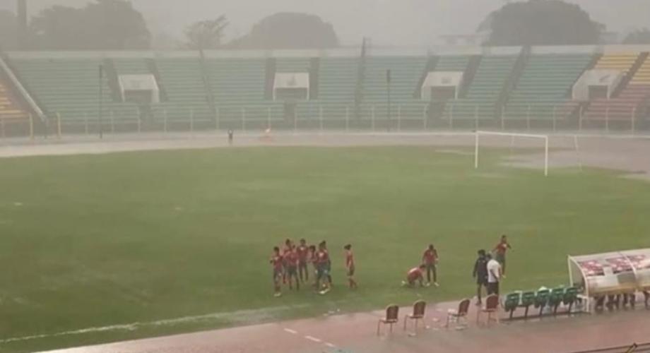 الأمطار توقف مباراة المنتخب الوطني النسوي لأقل من 20 سنة أمام البنين