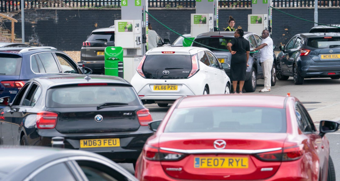 ربورتاج: أزمة وقود وأغذية في بريطانيا
