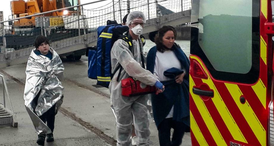 فرنسا  .. إنقاذ نحو مائة مهاجر في بحر المانش يومي السبت والأحد