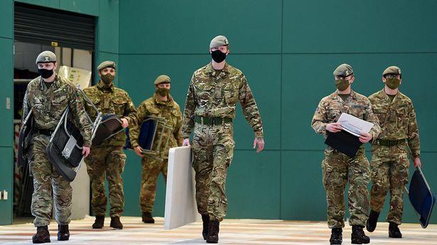 بريطانيا تضع الجيش في حالة تأهب للمساعدة في حل أزمة شح الوقود
