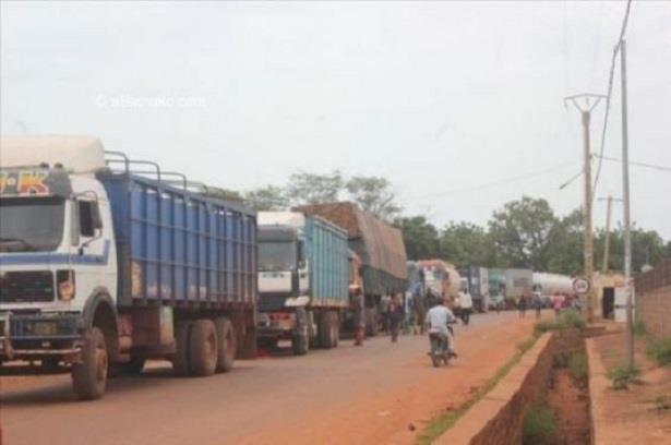 اعتداء يستهدف طريقا بريا في شمال مالي