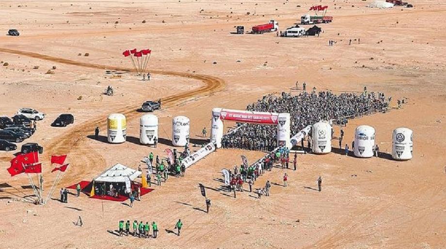انطلاق منافسات الدورة الـ 35 لماراطون الرمال