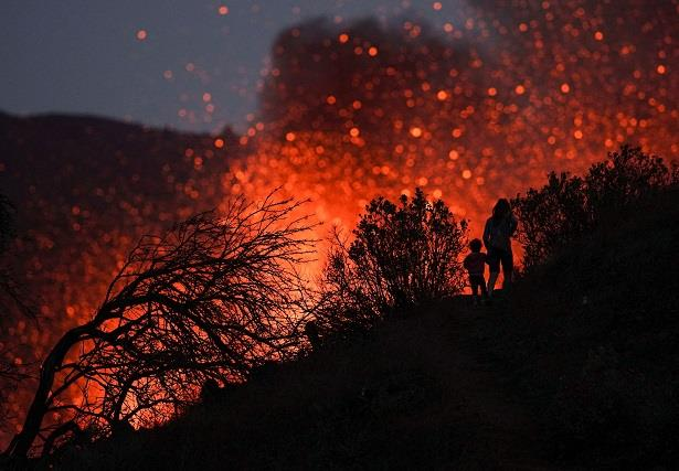 إسبانيا تخصص 200 مليون أورو لمساعدة جزيرة لا بالما المتضررة من البركان