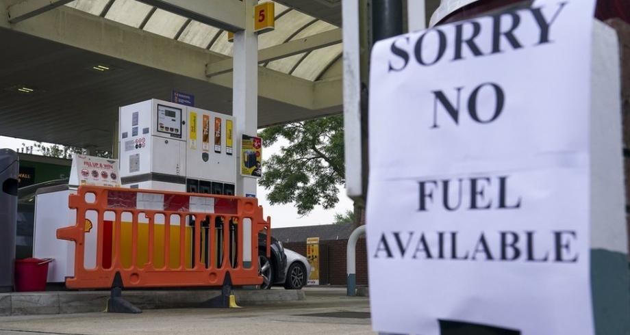 أزمة البنزين في بريطانيا قد تستمر حتى رأس السنة