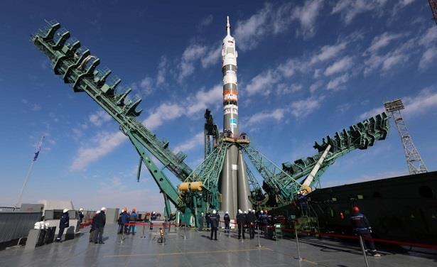 """روسيا تنجح لأول مرة في إطلاق صاروخ """"تسيركون"""" من غواصة"""